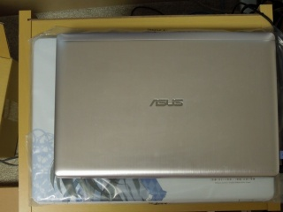 ほむPC vs ASUS X202E-CT3217